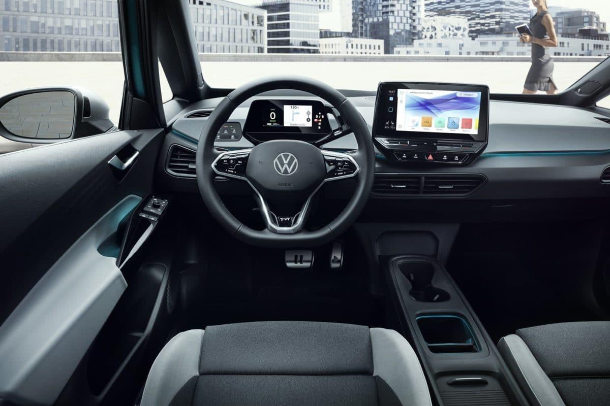 An das Cockpit und die Bedienung wird sich die VW-Kundschaft zunächst gewöhnen müssen